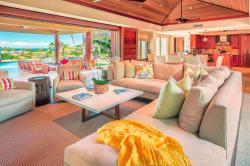 Wide open living areas of Hawaiian Living. Photo by Panaviz.