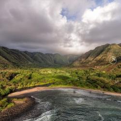 H?lawa Bay on the eastern tip of Molokai. The place is essentially untouched. Photo by @panaviz