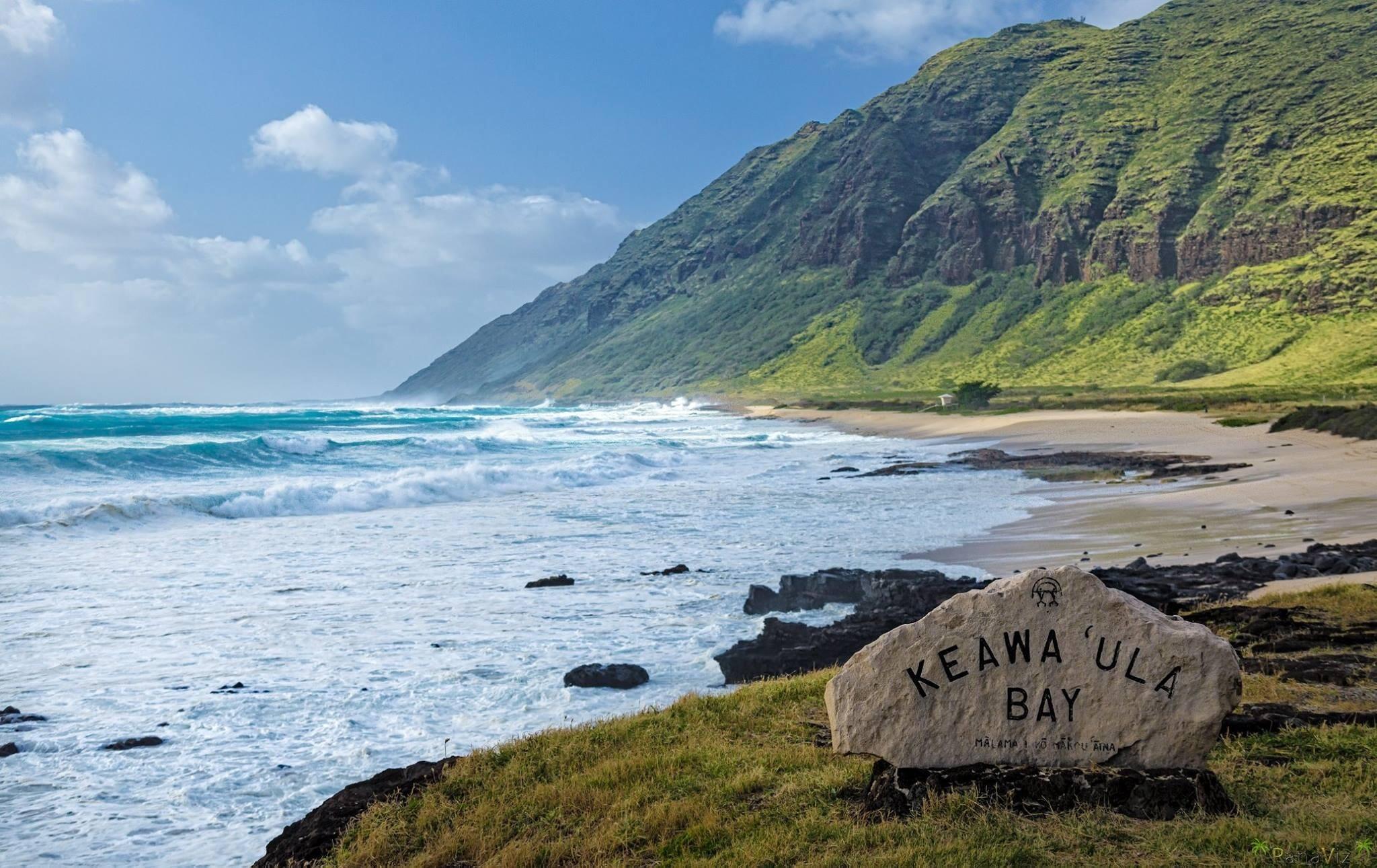 High surf at Keawa'ula Bay by PanaViz