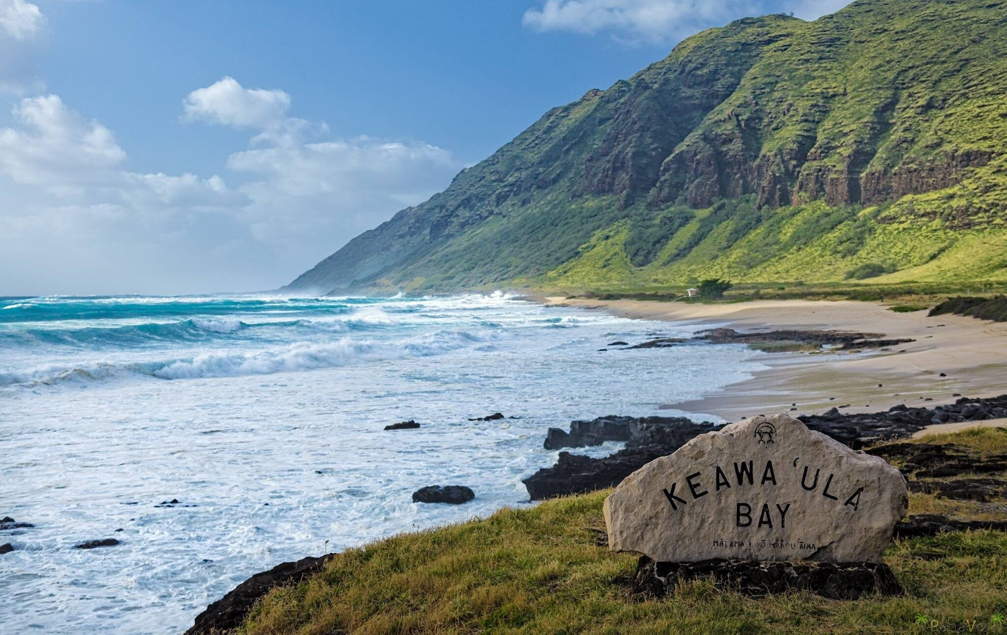 High surf at Keawa'ula Bay by PanaViz