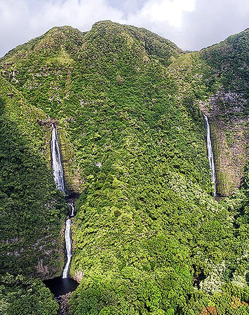Hipuapua and Moa'ula Waterfalls