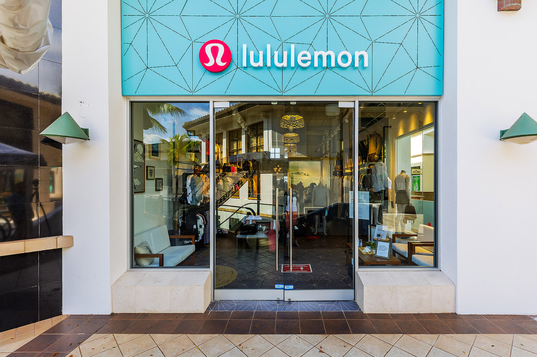 Lululemon-The-Shops-at-Wailea-08-08-2020-004 copy